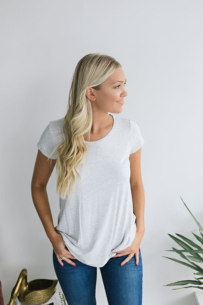 Courtney Essential Tshirt - Lt. Grey