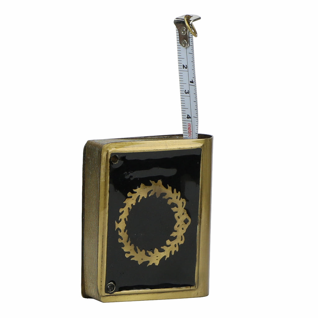 Measuring Tape Box with Wreath