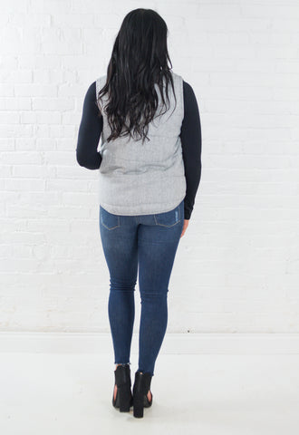 Crew Neck Knit Sweater with Pockets