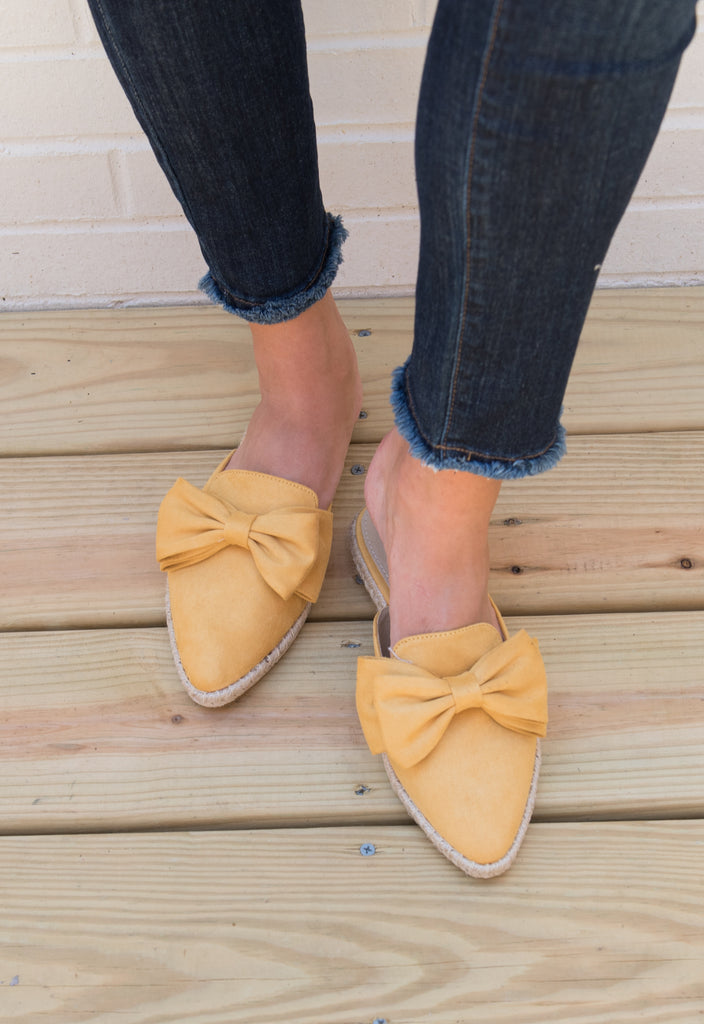 The Kate Bow Slides - Mustard