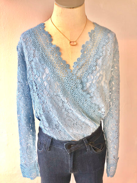 Agneletta Scallop Lace Long Sleeve Blouse