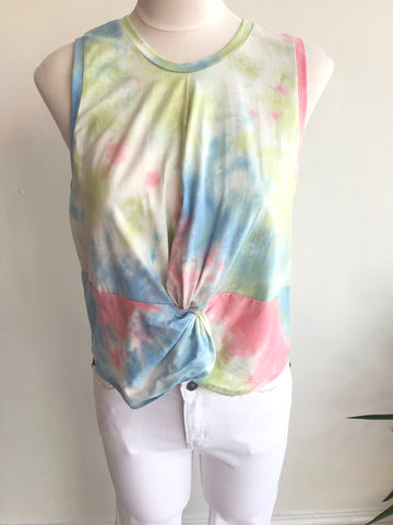 Over the Rainbow Knot Tank