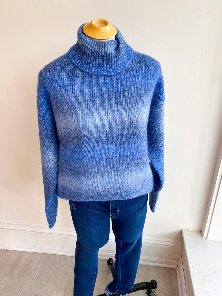 Midtown Ombre Turtleneck Sweater - Blue
