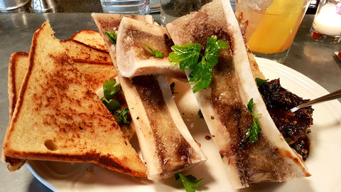 Bone marrow with onion jam au cheval