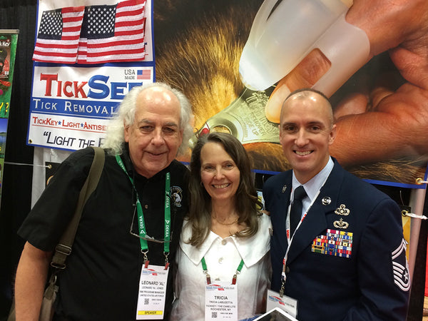 The United States Air Force visited our Grip-On Flashlight's at the 2017 NSC Congress & Expo!