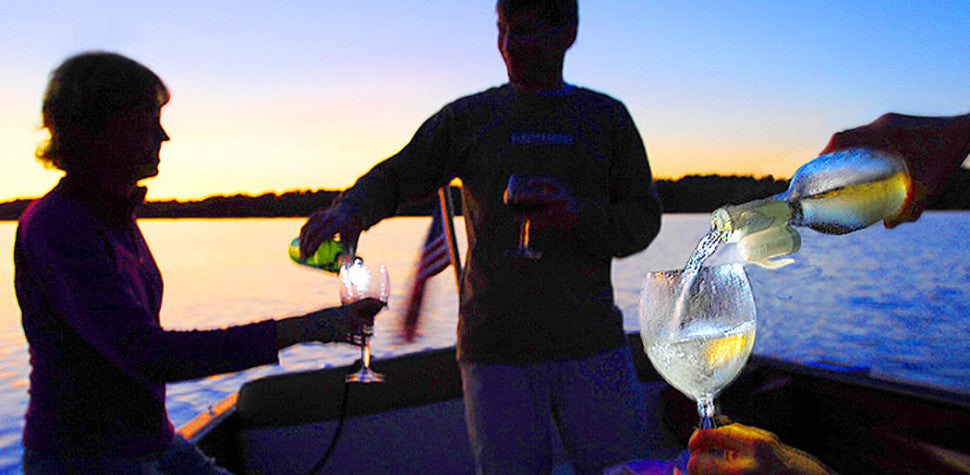 Ligh up a dusk outing on your boat!