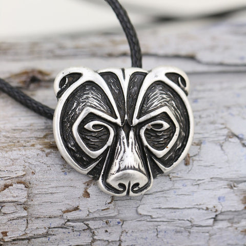 WolfLace™ - The Wolfhead Necklace