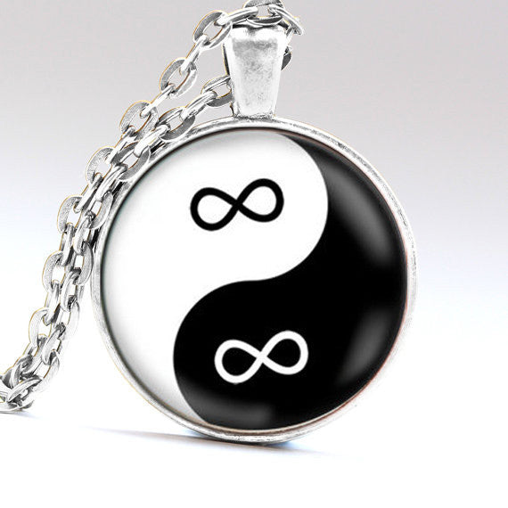 Yin Yang Eternity Balance Infinity Symbol Glass Black and White Unisex Pendant Necklace Casual and Formal Women