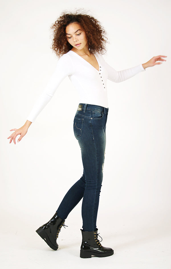 Distressed Dark Wash Skinny Jeans | CEN-9198