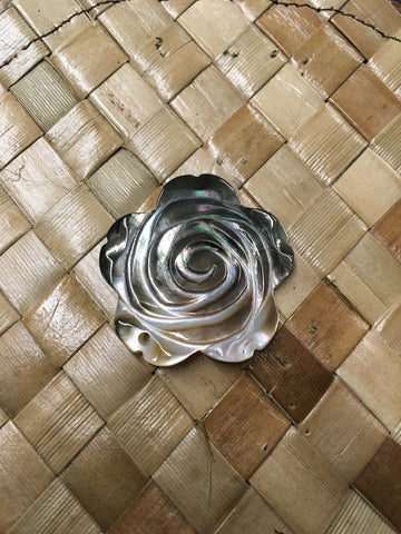 Mother of Pearl Blacklip Rose Shell
