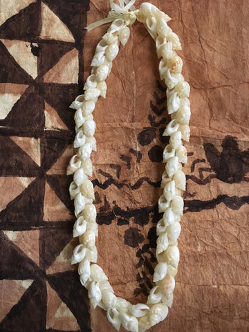 Frog Shell Woven Lei