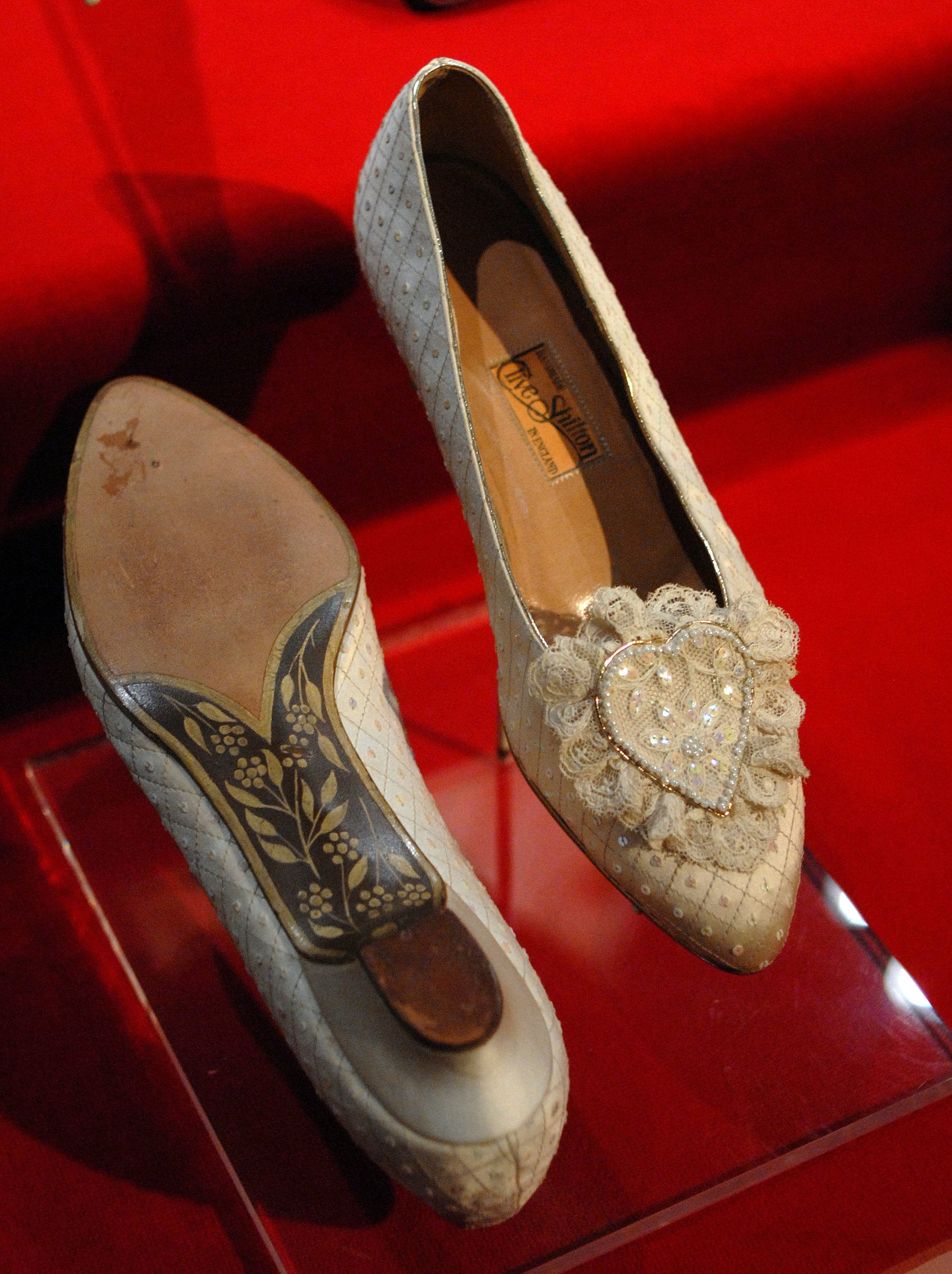 princess diana wedding shoe
