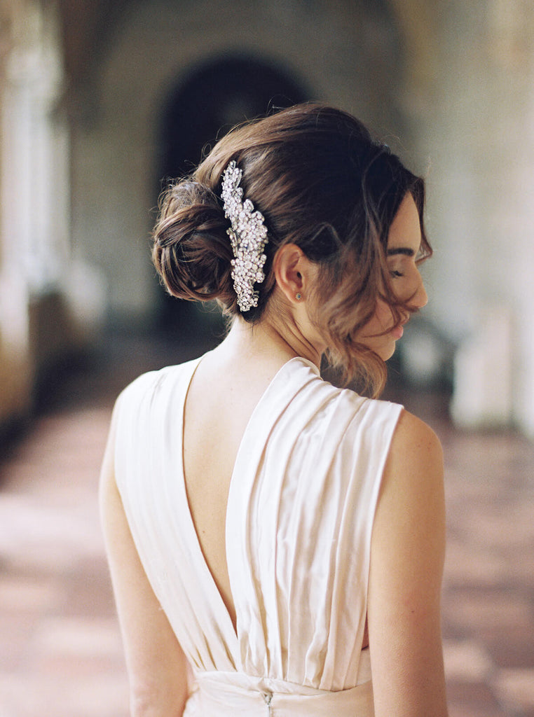 Bride wearing Twigs and Honey hair piece