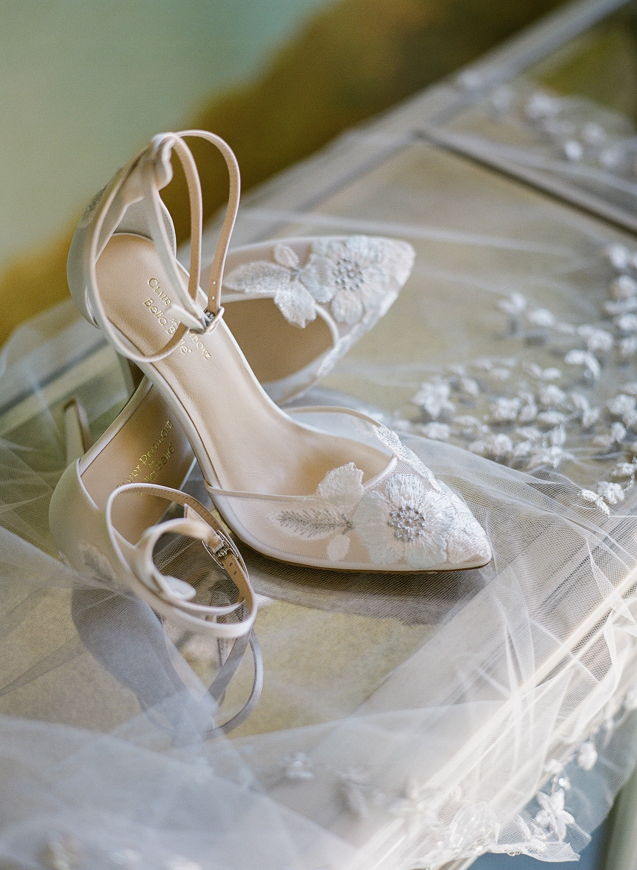 1402aef3eaa The Most Beautiful and Classic Lace Wedding Shoes