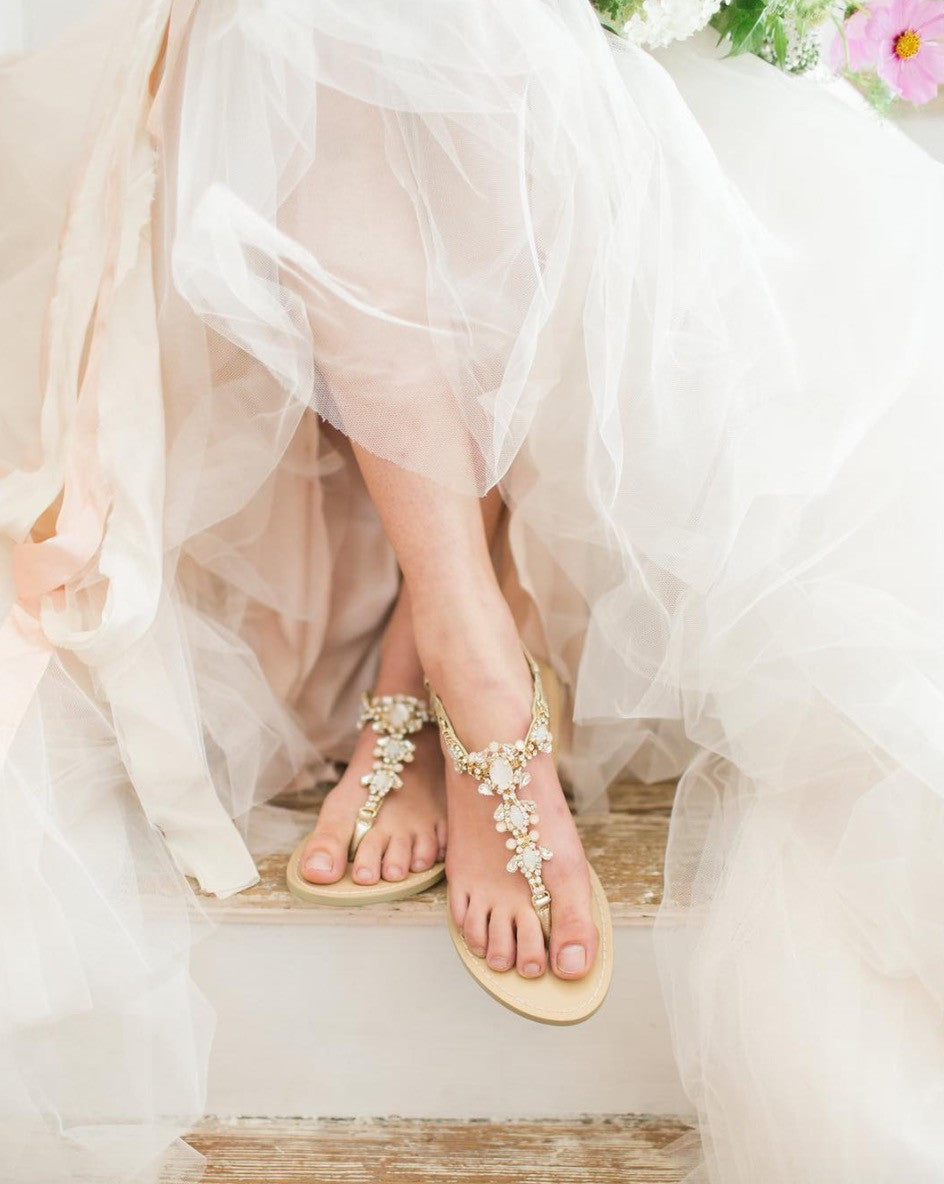 Wedding Sandals Luna is comfortable, has gold jewels and sparkly.
