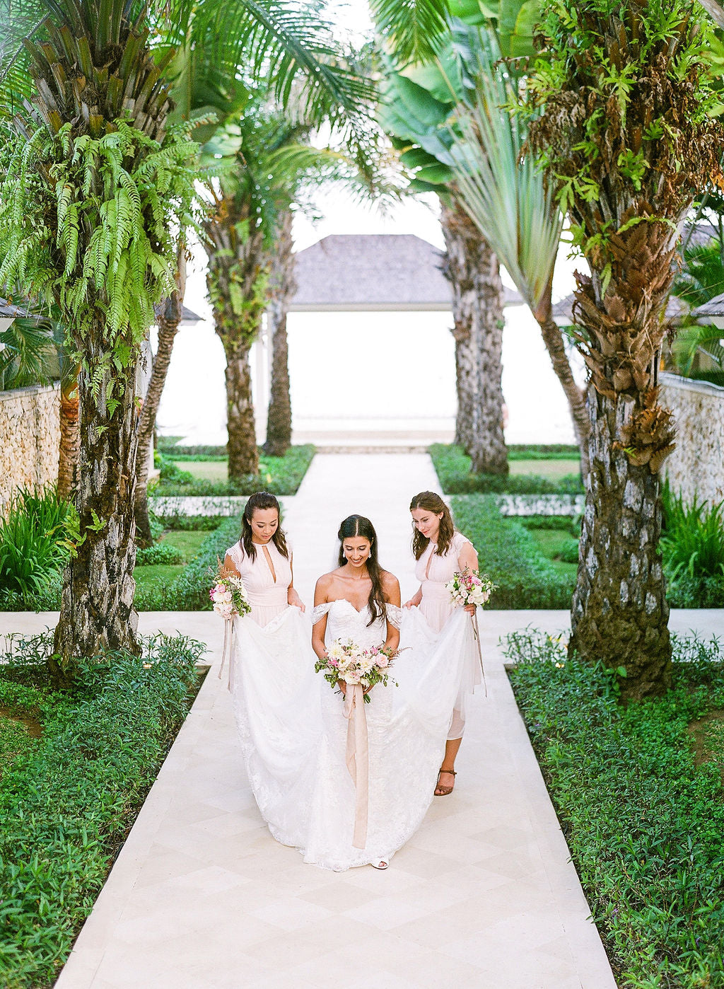 bella belle real brides sabby with her bridesmaids destination wedding bali