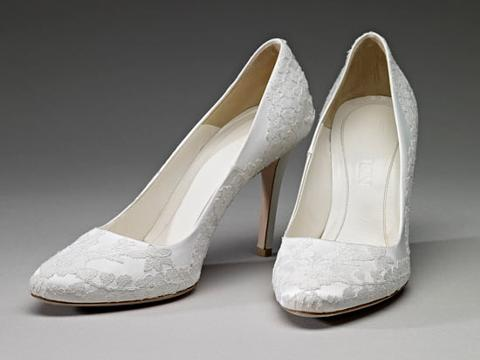 kate middleton wedding shoe