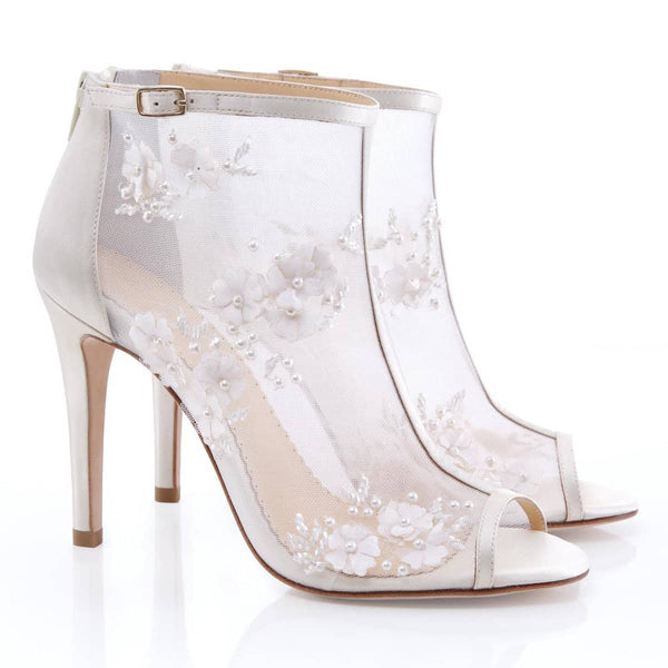ivory 3D romantic wedding booties