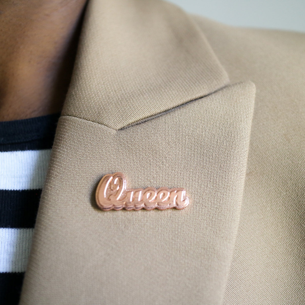 'Queen' Rose Gold Lapel Pin