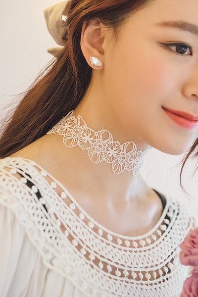 Black/White Floral Lace Choker Necklace