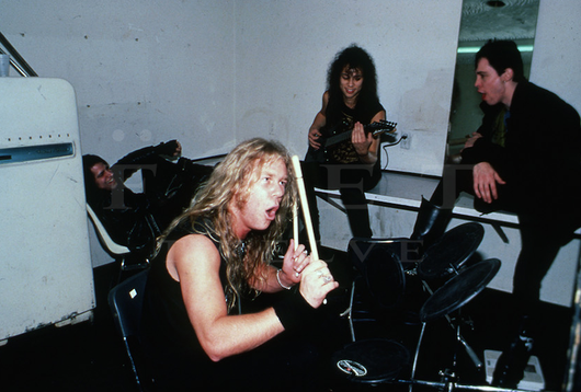 Metallica, Backstage