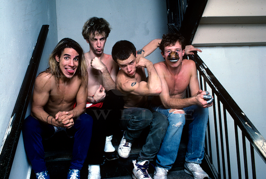 Red Hot Chili Peppers, Post-set Stairwell 1987