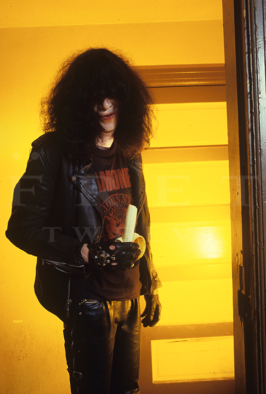 Joey Ramone of The Ramones, Pre-show Banana 1988