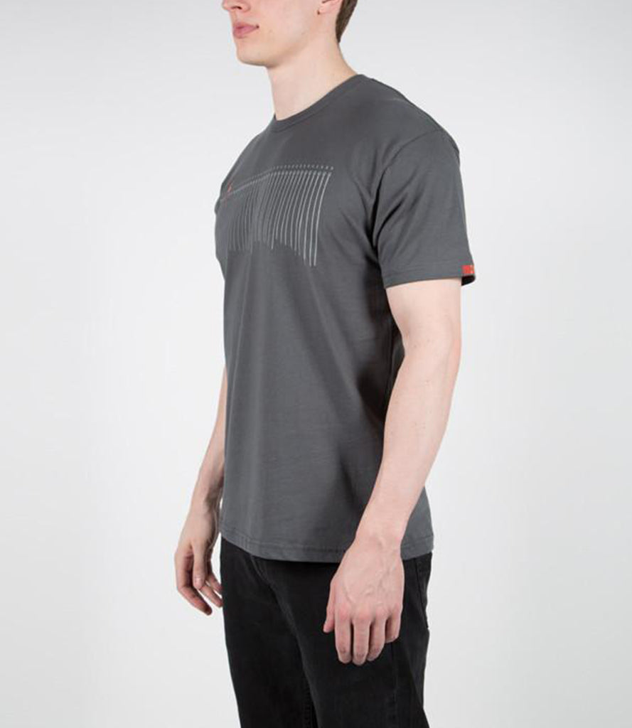 STRING SCALE TEE – GRAY