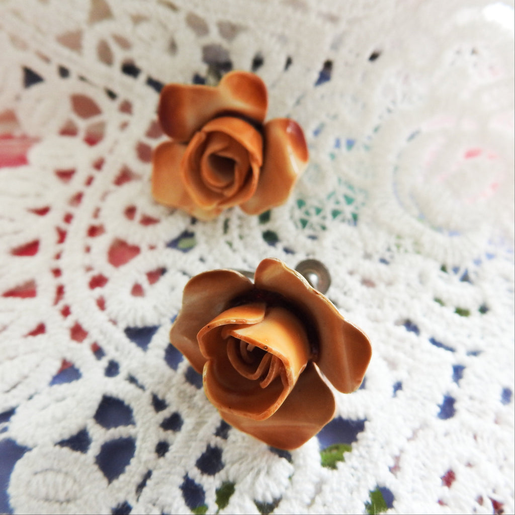 Screw back flower earrings, vintage jewelry clip on, antique looking style gift for mom, antique inspired dainty rare rose jewellery gifts - zazaofcanada