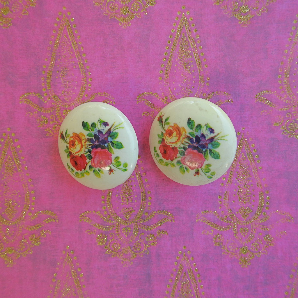 Vintage flower clip on earrings