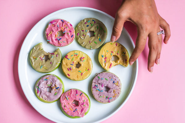 Fun, Clean & Colourful: These Apple Donuts Have It All