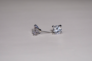 Crystal Stud Earrings 8mm Pierced