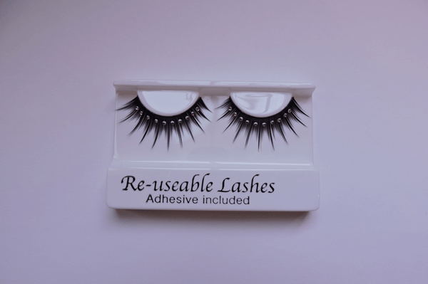 Sparkly Eyelashes Complete With Adhesive