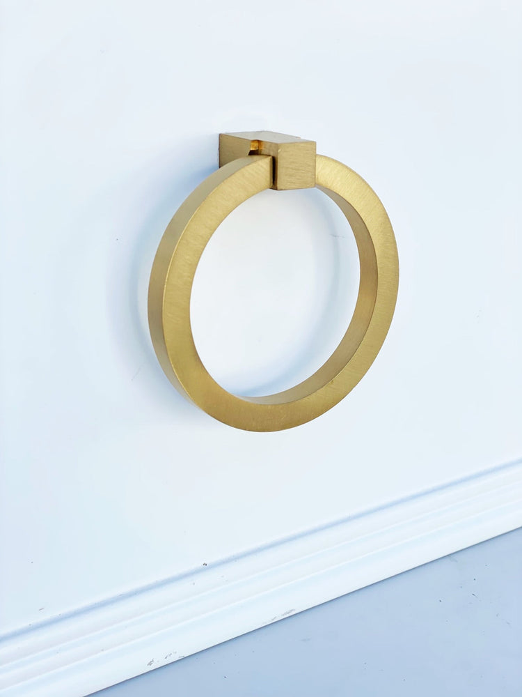 Zimi Round Ring Pull in Satin Brass