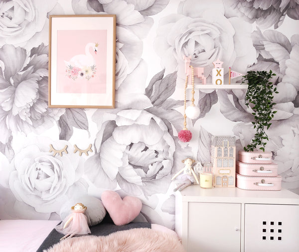 B&W Peony and Rose Wallpaper