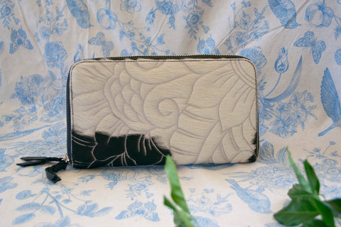 Wallet ~ Double Zip White & Silver