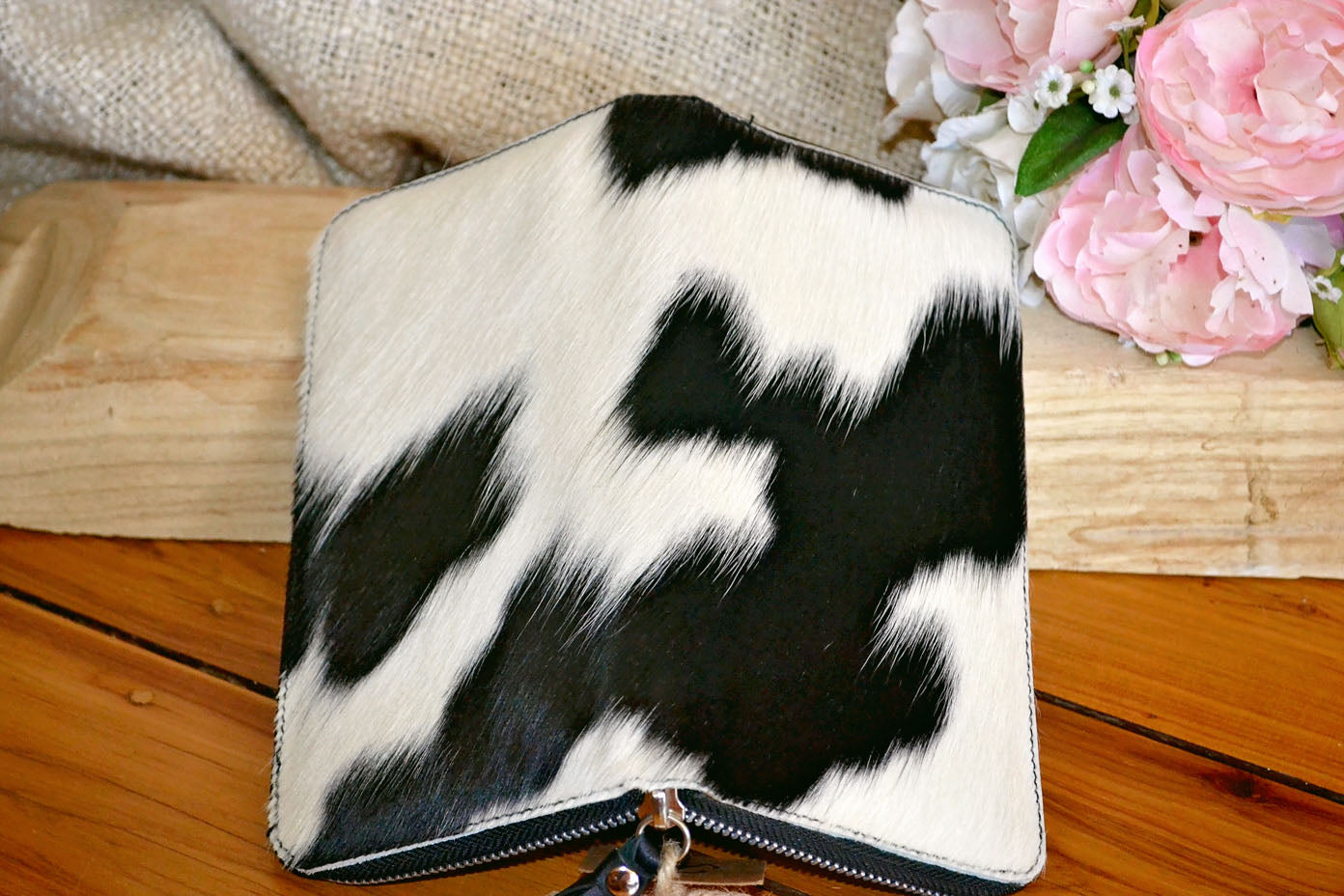 Wallet ~ Single Zip Black & White Collection