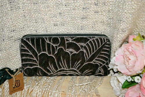 Carved Wallet ~ Single Zip Black & White Collection
