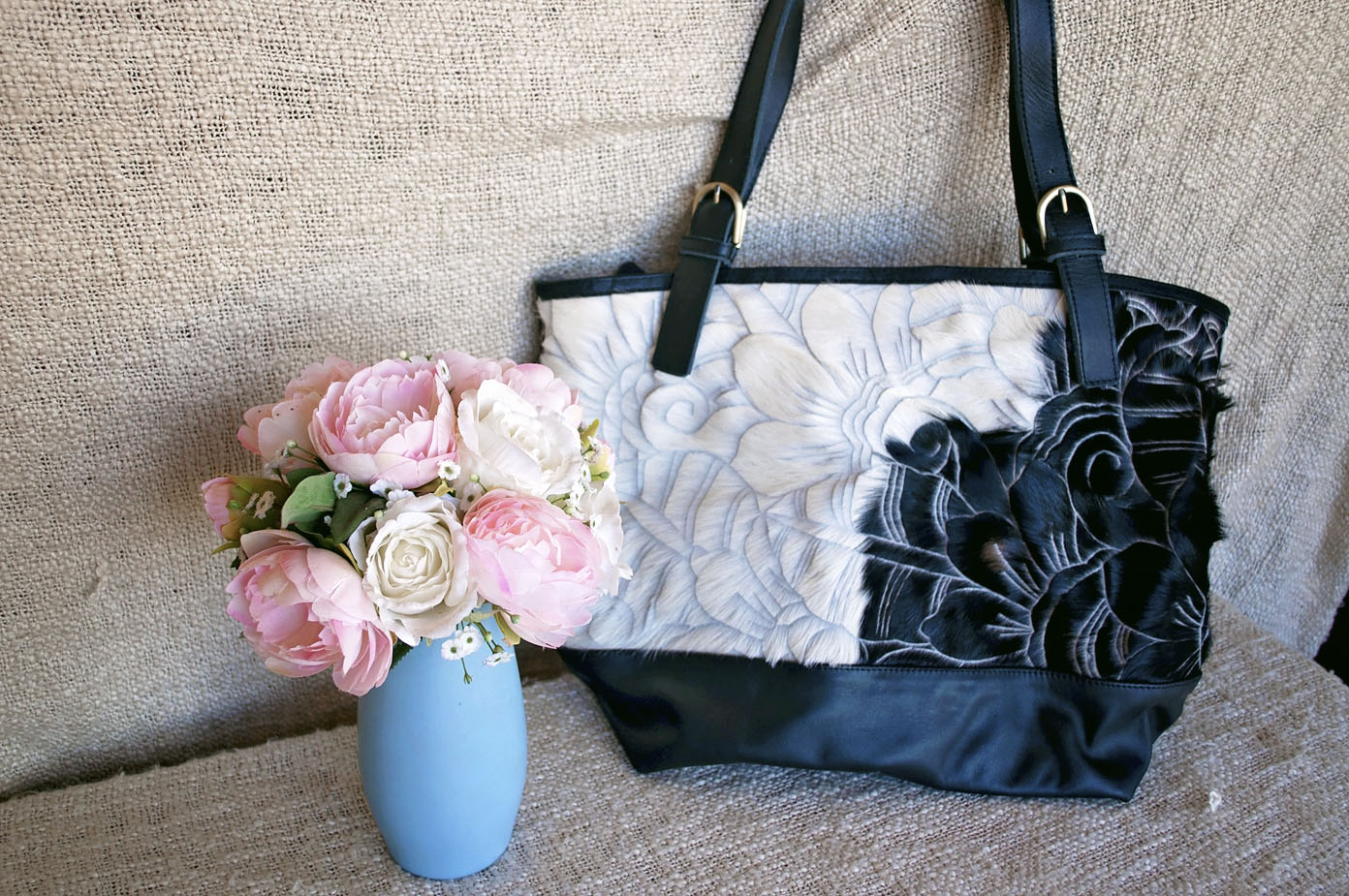 Toolong Tote ~ Black & White Carved Collection