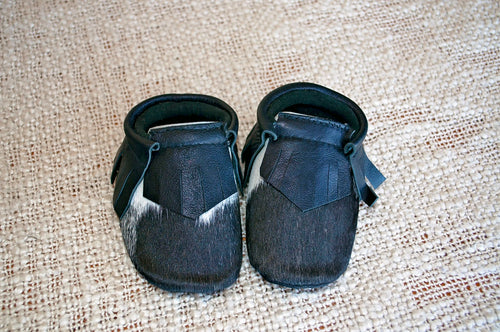 Baby Booties #9 (0-6 months)