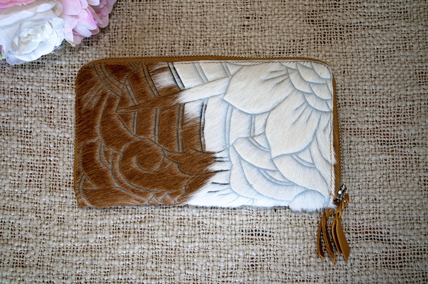 Carved Wallet ~  Double Zip Tan & White Collection