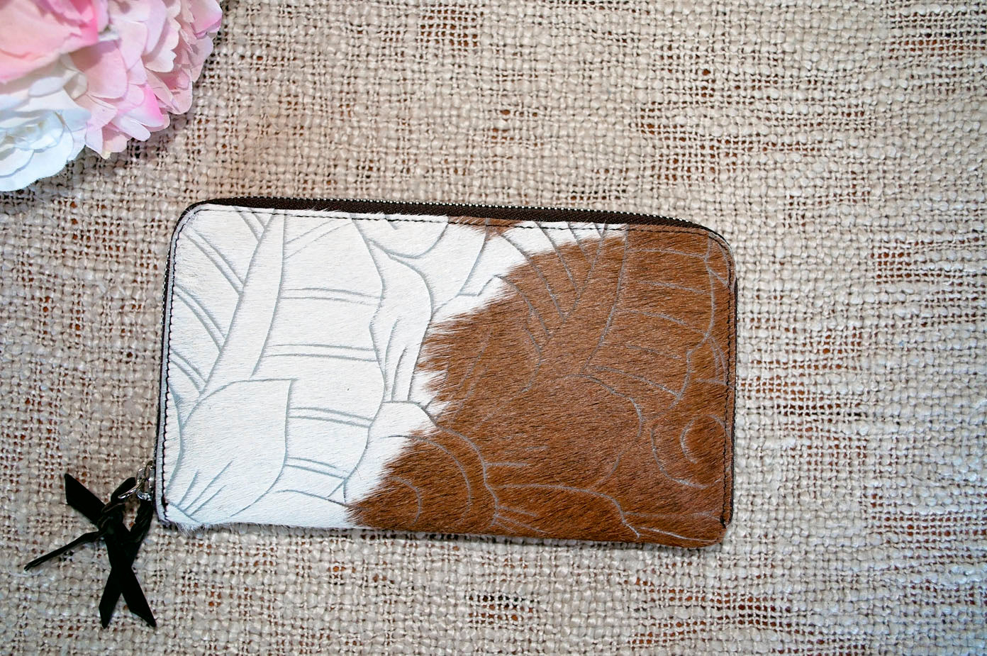 Carved Wallet ~  Double Zip Brown & White Collection