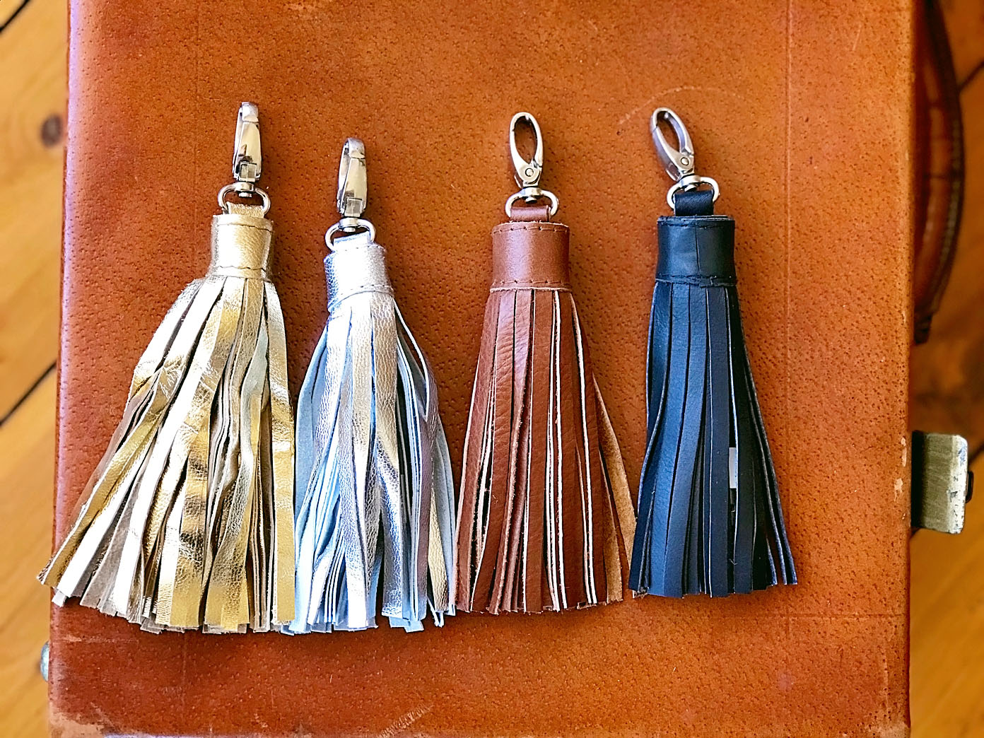 Tassel Charger - iPhone