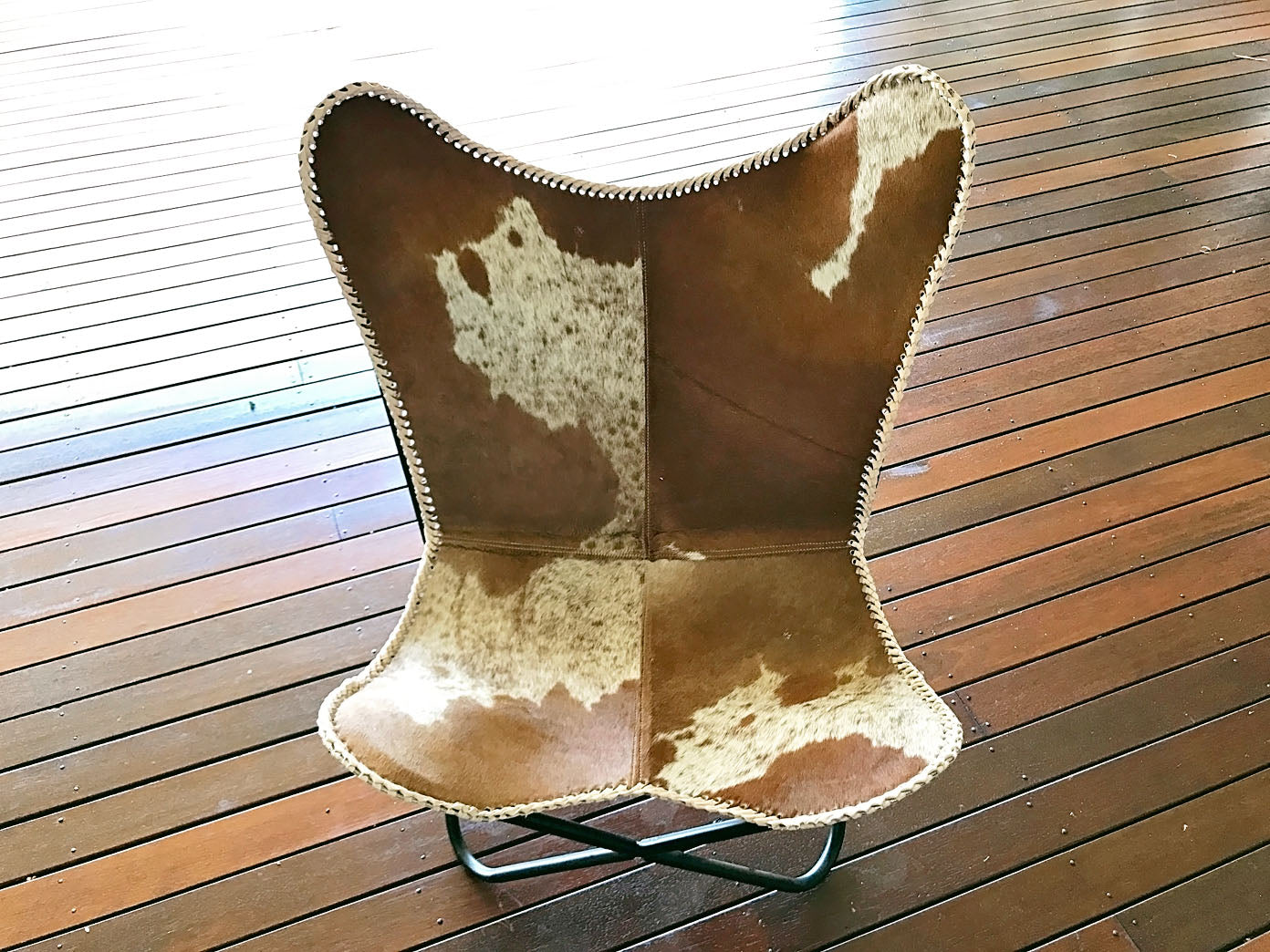 Butterfly Chair - Brown & White Range