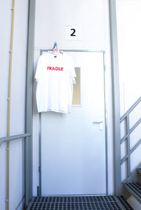 Tee FRAGILE white [drop] - NOBODY HAS TO KNOW