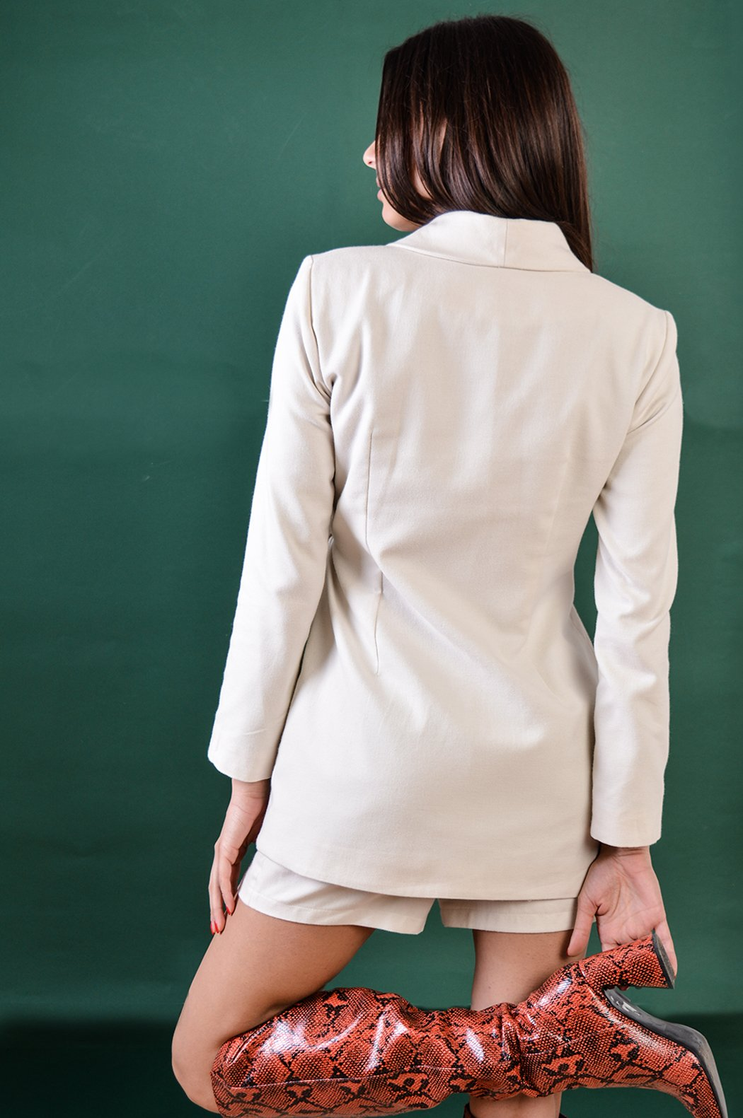 White cashmere blazer with pleated details - BastetNoir