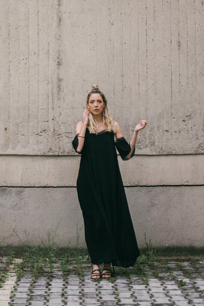 Pleated Black Dress - BastetNoir