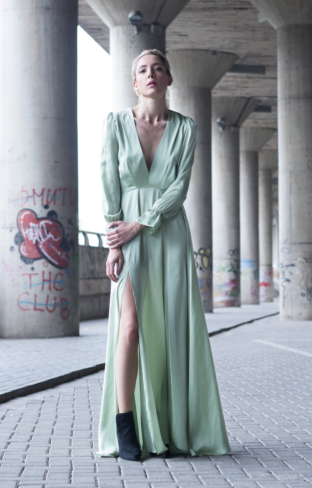 Mint Bareback Maxi Dress - BastetNoir