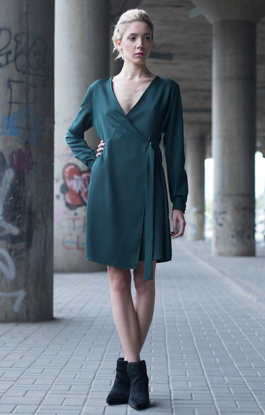 Bastet Noir Dark green short shirt dress with long sleeves