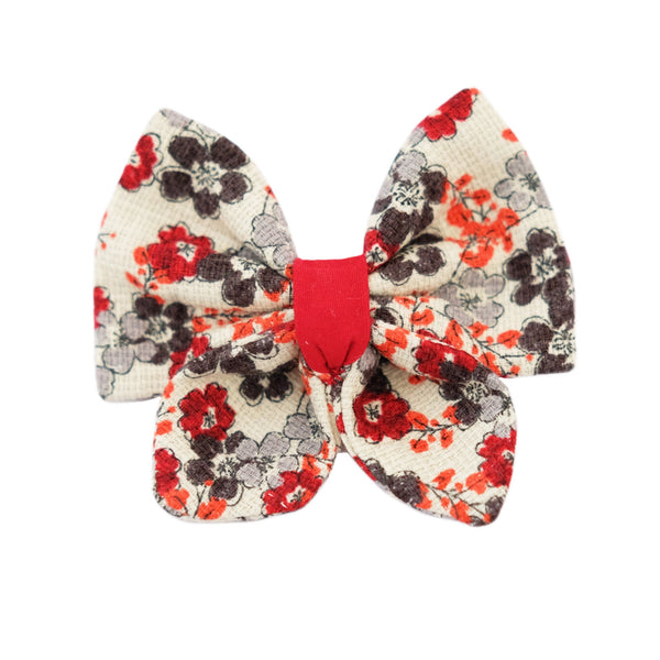 A charming floral print fabric hair bow for pets (100% cotton). Available on a French Barrette Clip or Alligator Clip. Beautiful dog hair bow. Beautiful handmade hair accessory.